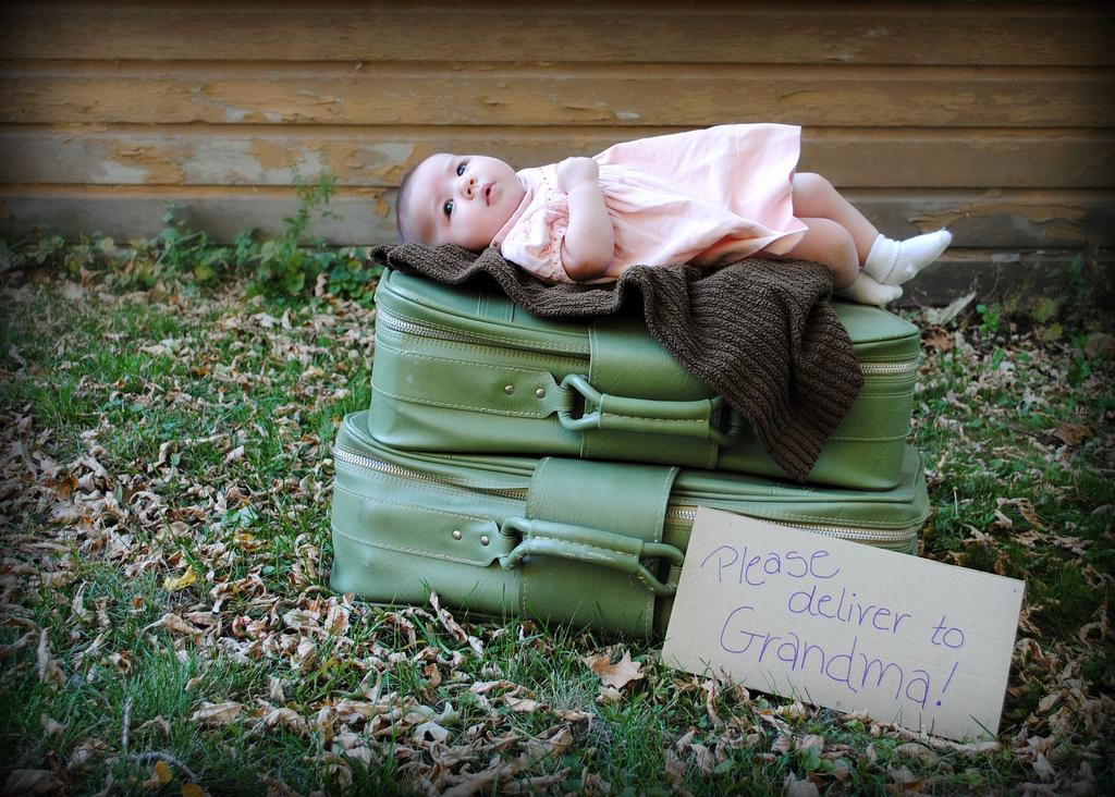 Per favore consegnare bimba alla nonna!