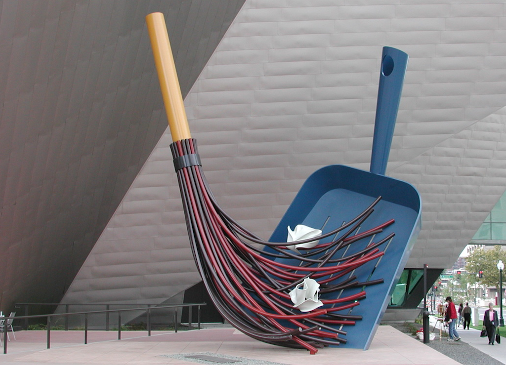 Broom and Dustpan - by Coosje van Bruggen e Claes Oldenburg