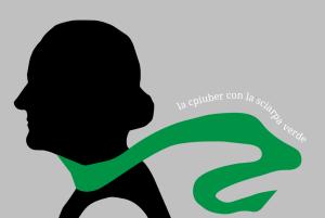 La cpiuber con la sciarpa verde